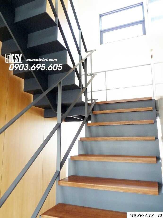 Mẫu cầu thang sắt đẹp CTS 12