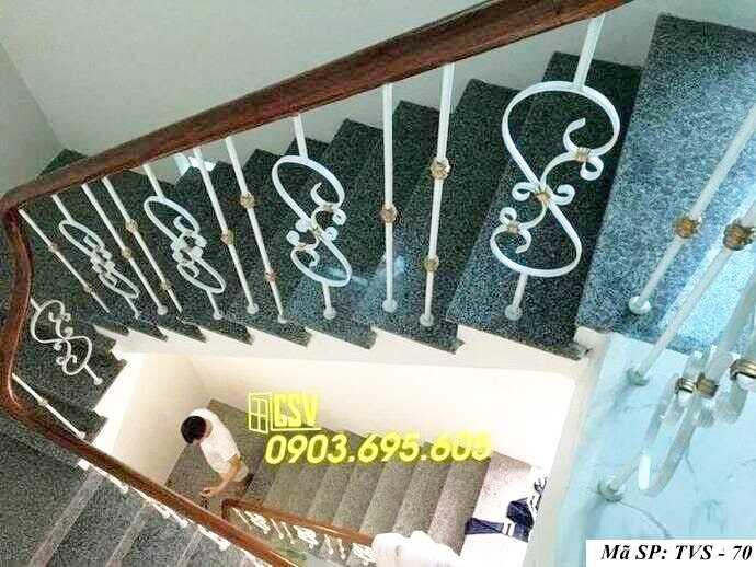 Mẫu tay vịn cầu thang gỗ đẹp TVS 70