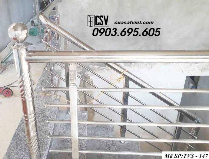 Mẫu cầu thang inox TVS 147